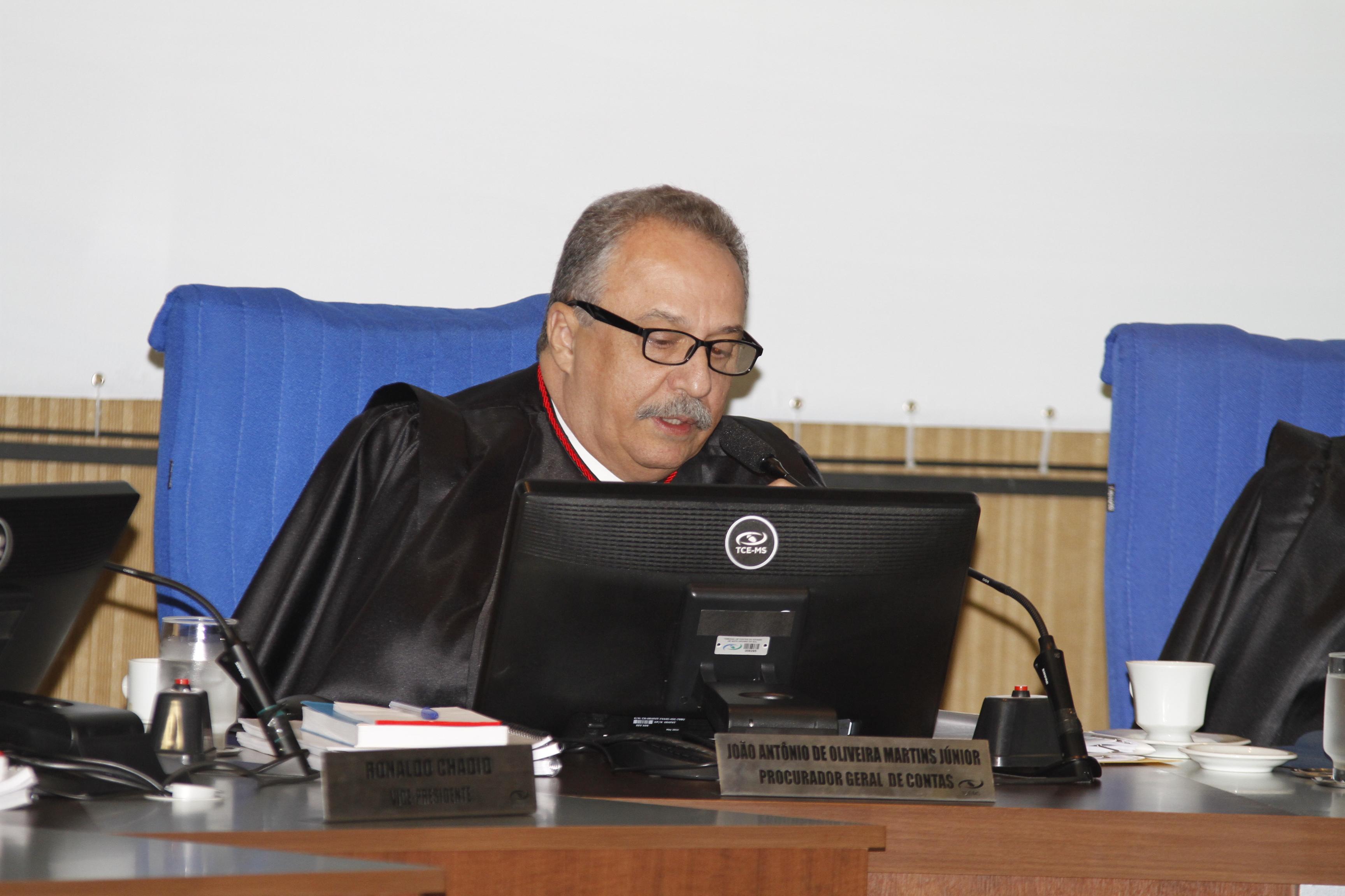 Procurador recomenda aplicação de multa em seis recursos e conselheiro relator concorda