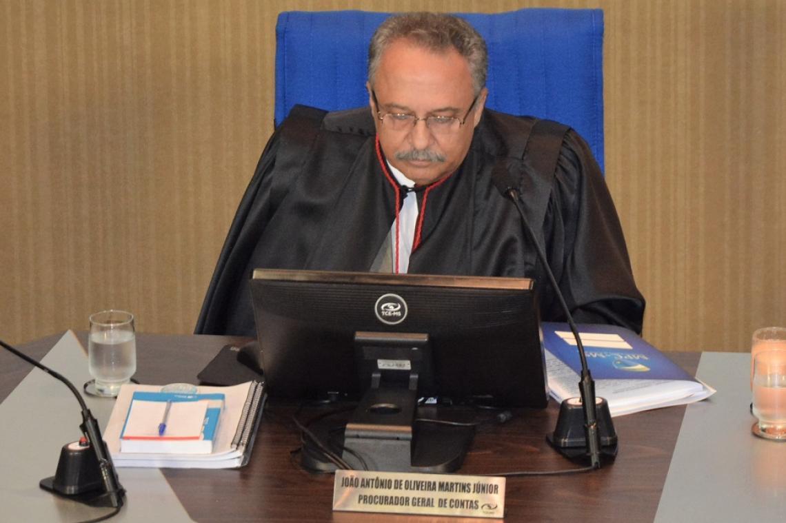 Procurador recomenda que pedido de revisão seja negado e conselheiro relator concorda