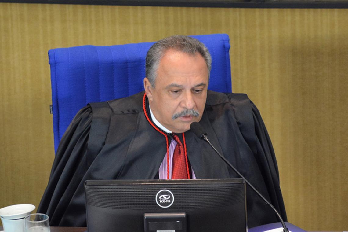 Gestor não apresentou justificativas e procurador recomendou aplicação de multa