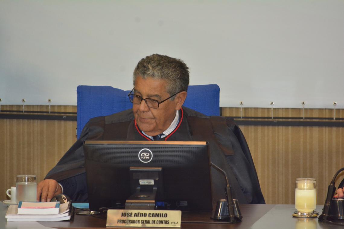 Procurador apresenta maioria dos pareceres regulares na sessão da 2ª Câmara