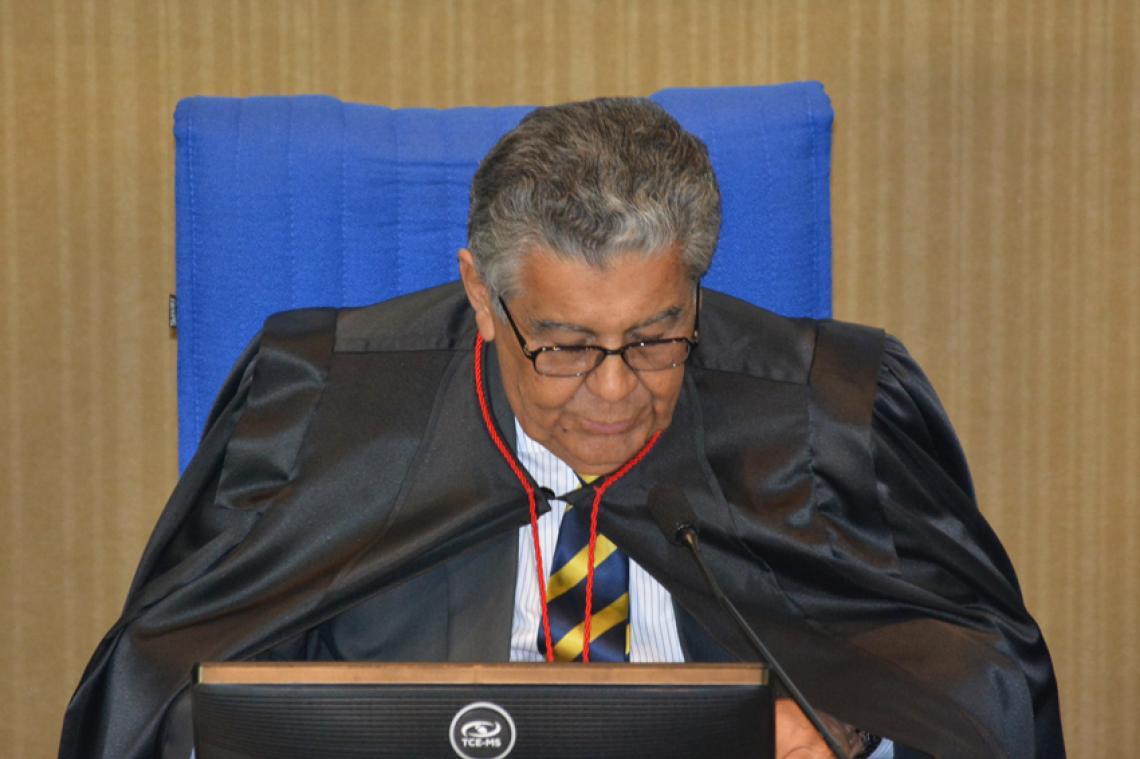 Procurador apresenta maioria de processos regulares na sessão da 1ª Câmara