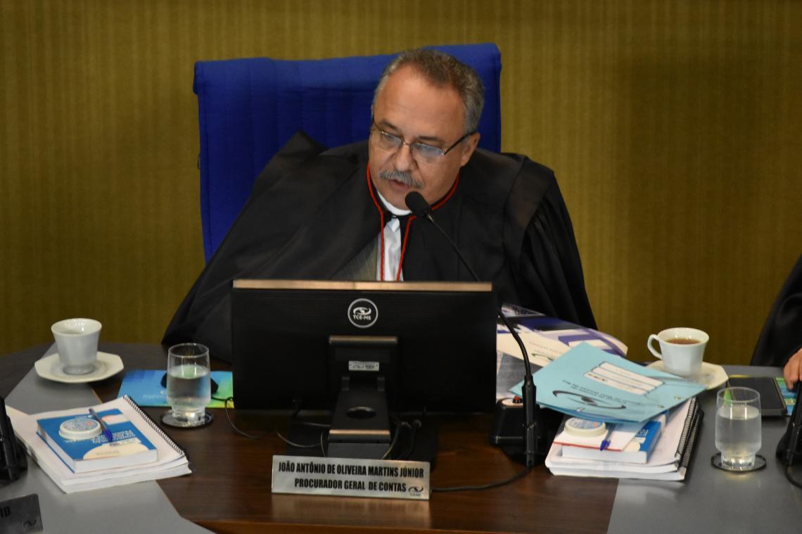Procurador recomenda aplicação de multa a ex-prefeito e ex-secretário de saúde de Guia Lopes da Laguna