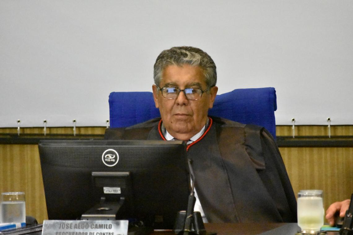 Procurador ratifica 28 pareceres apresentados em sessão da 1ª Câmara