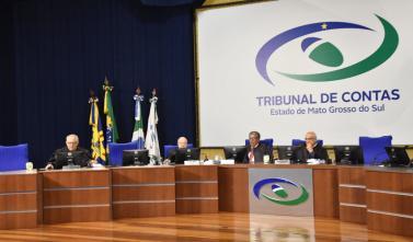 Última sessão de outubro julga 28 contas públicas