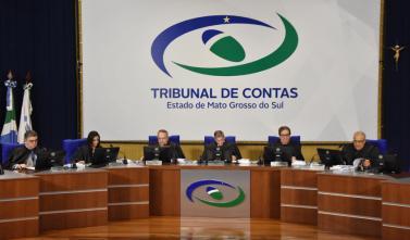 Conselheiros julgam recursos e prestações de contas em sessão do Pleno