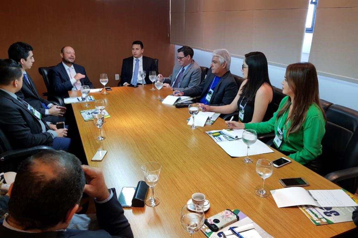 Ouvidoria do TCE-MS participa de reunião técnica em Manaus