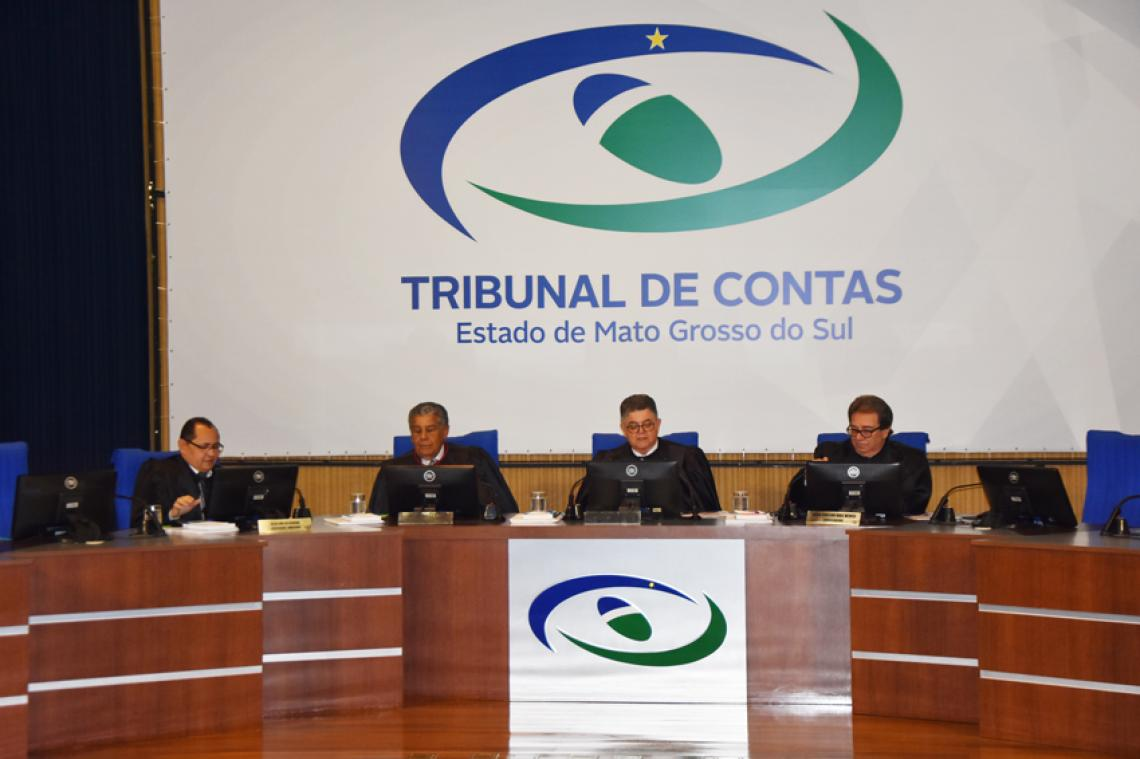 Conselheiro relator concorda com parecer e aplica multa no valor de 220 Uferms a ex-prefeito de Ribas do Rio Pardo