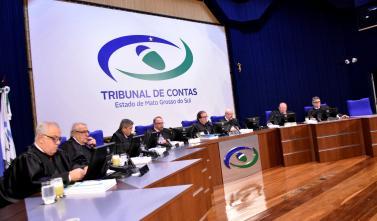 Conselheiros julgam 93 processos em Sessão do Pleno