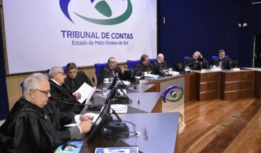 Pleno do TCE-MS retorna com 99 processos na pauta