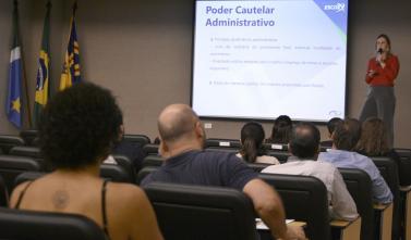 TCE-MS capacita servidores sobre o poder cautelar na administração pública