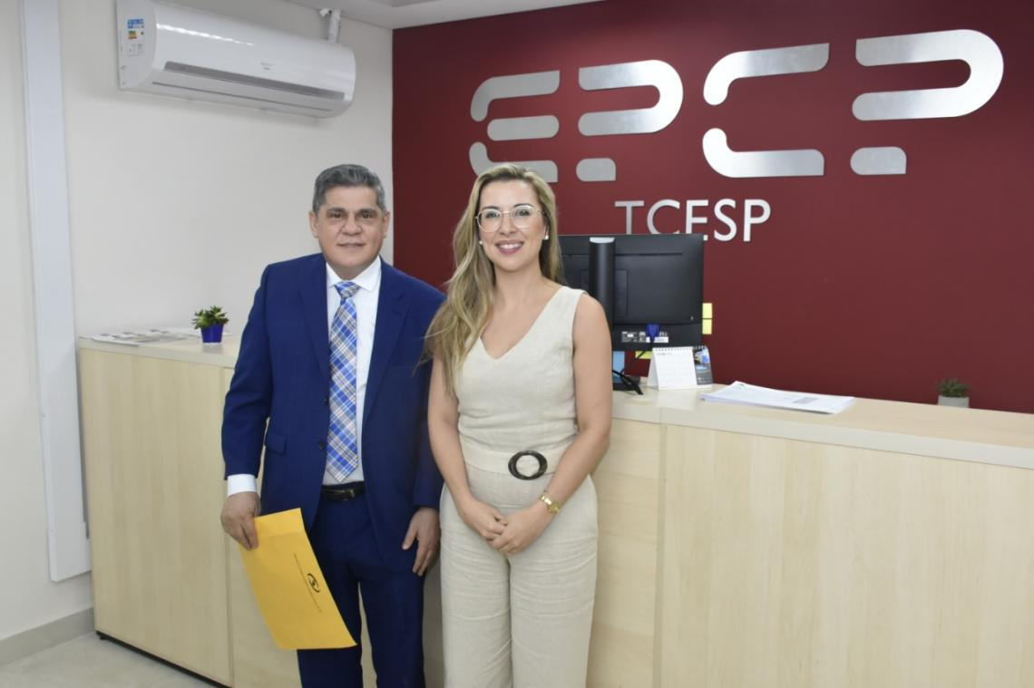 Diretor da Escoex visita Escola de Contas de SP