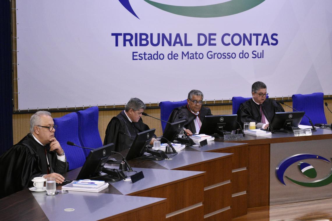 Em sessão da 1ª Câmara, Procurador apresentou maioria de processos regulares