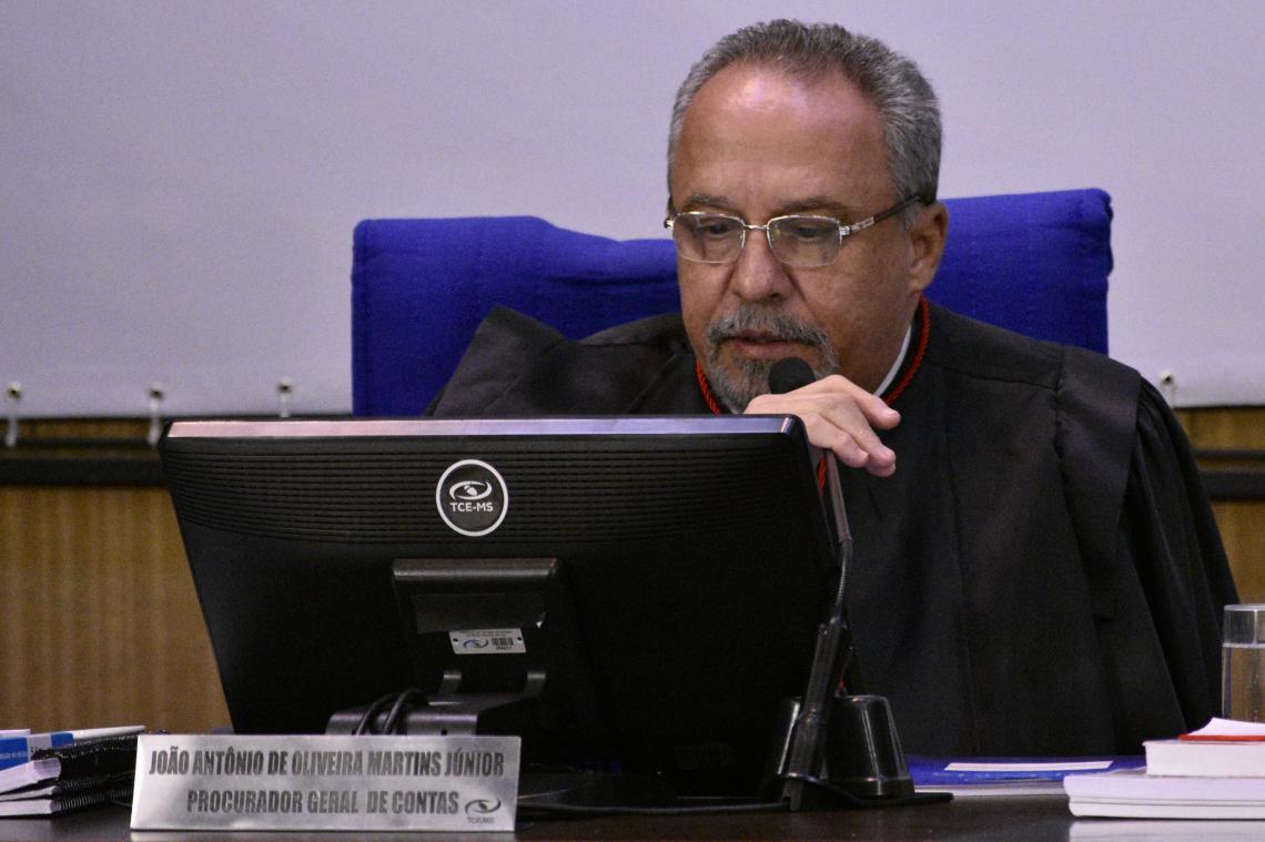Procurador recomenda aplicação de multa e impugnação a ex-prefeita de Caracol