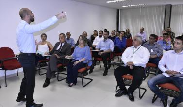 TCE-MS alinha procedimentos para contratações públicas