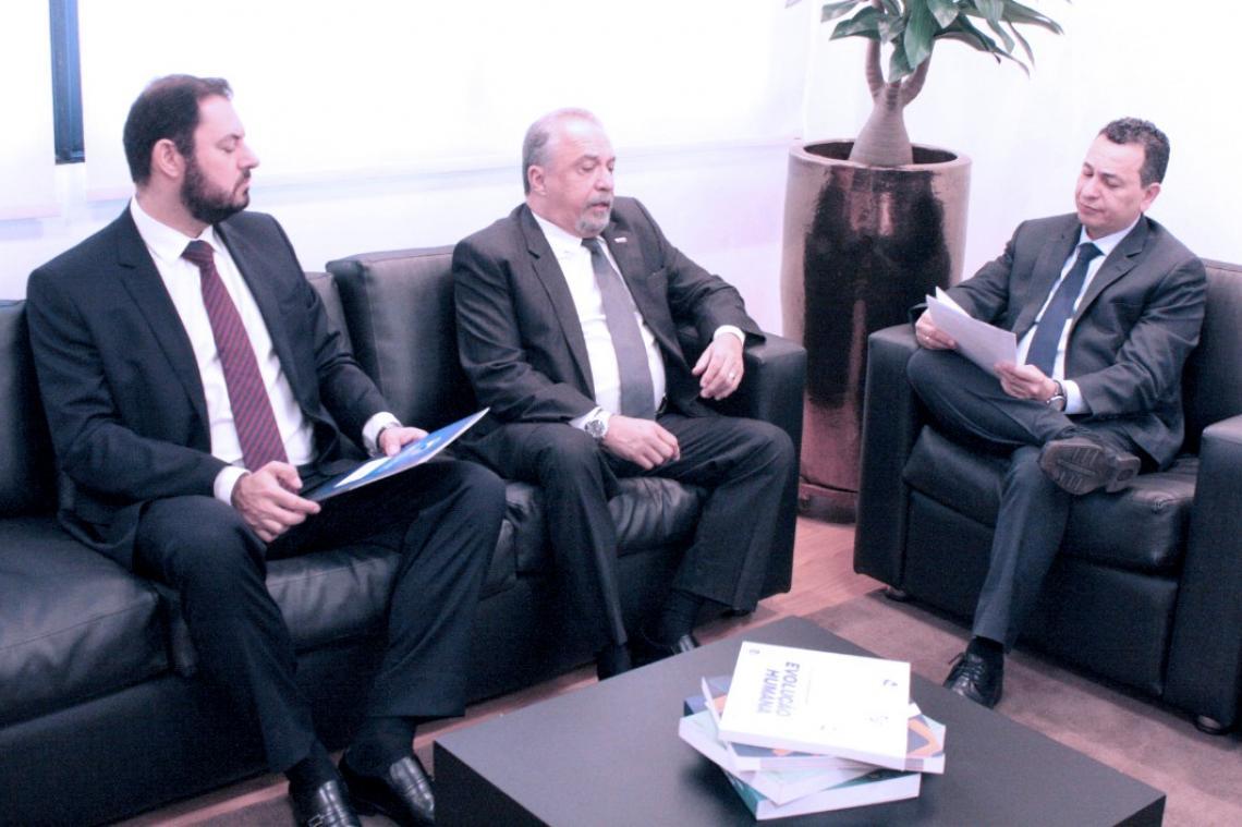MPC renova assinatura de termo de cooperação com MP para maior eficácia ao controle e fiscalização dos atos de gestão
