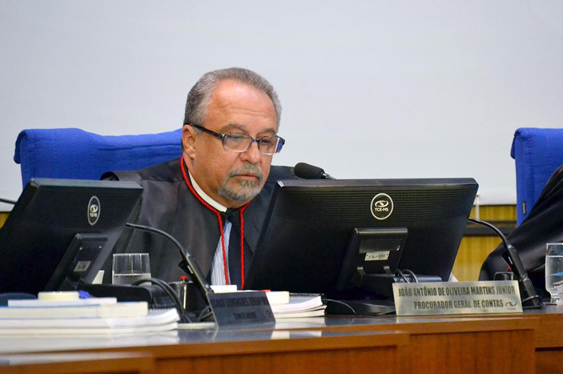 Procurador opina pela irregularidade da prestação de contas e aplicação de multa ao ex-prefeito de Água Clara