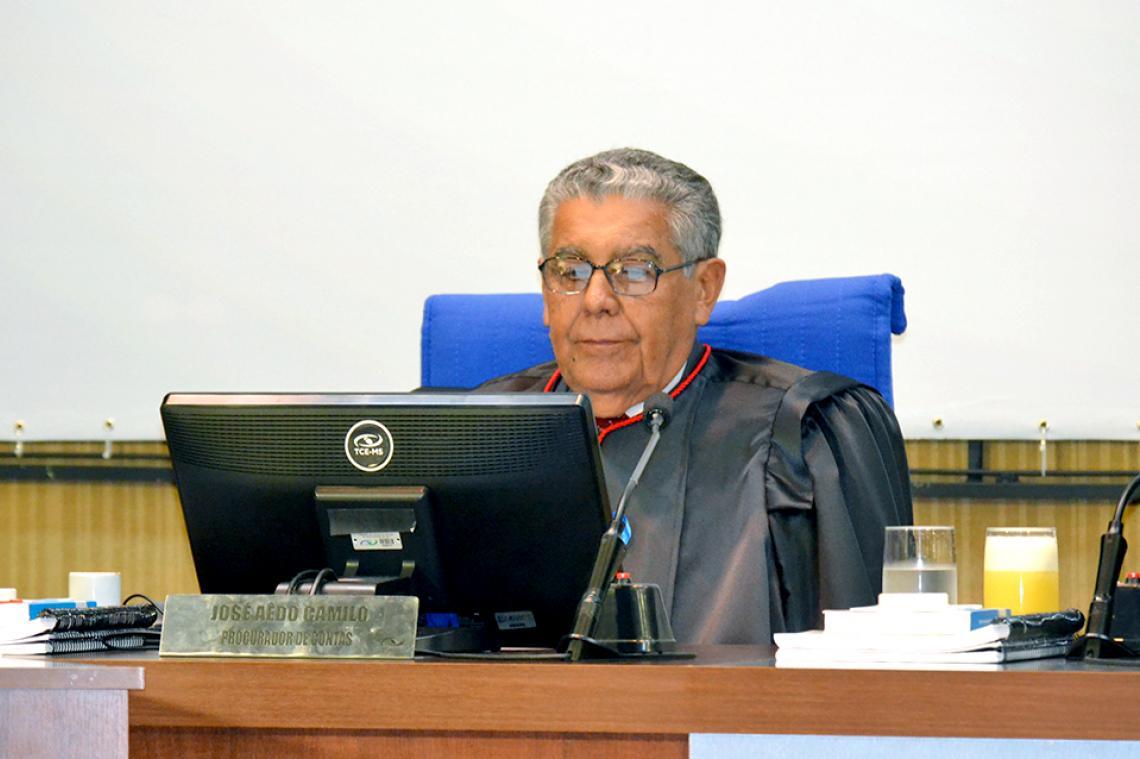Procurador-Geral Adjunto apresenta maioria de pareceres regulares em sessão da 1ª Câmara