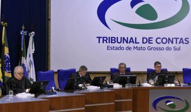 Sessão da Primeira Câmara tem apenas dois processos dados como irregulares