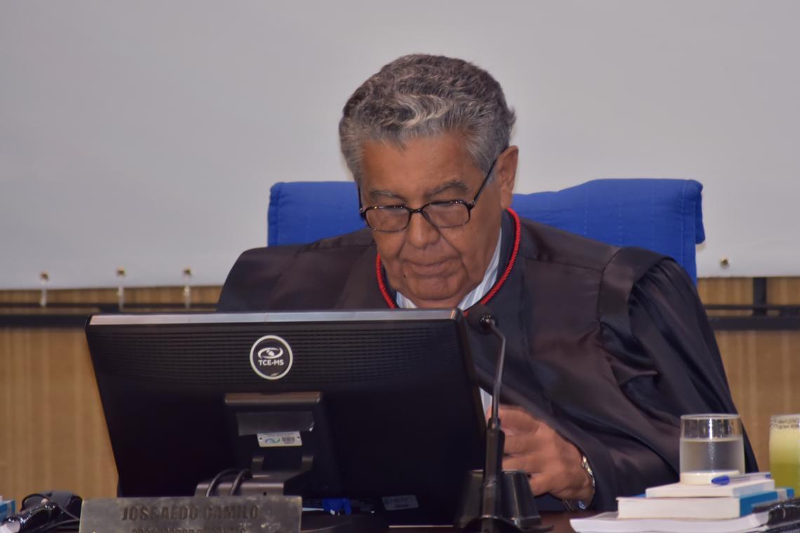 Procurador opina pela aplicação de multa por irregularidade em formalização contratual