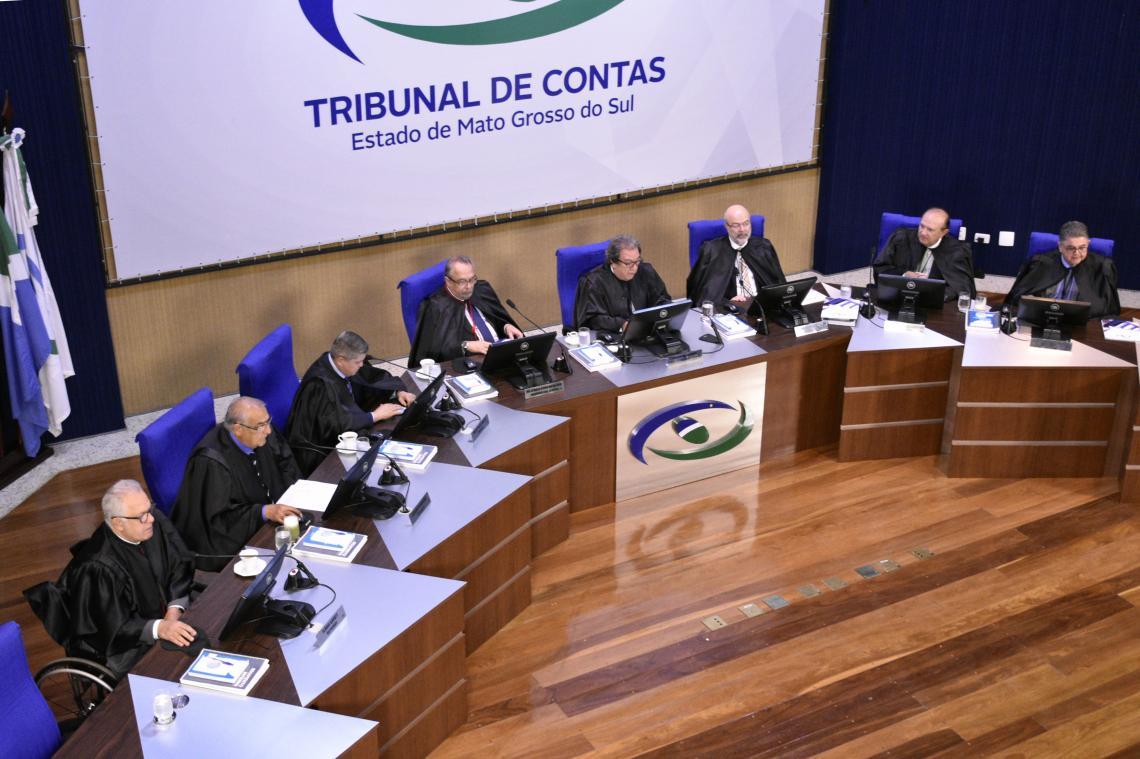 Conselheiros relatam 152 processos em última sessão do Pleno de 2019