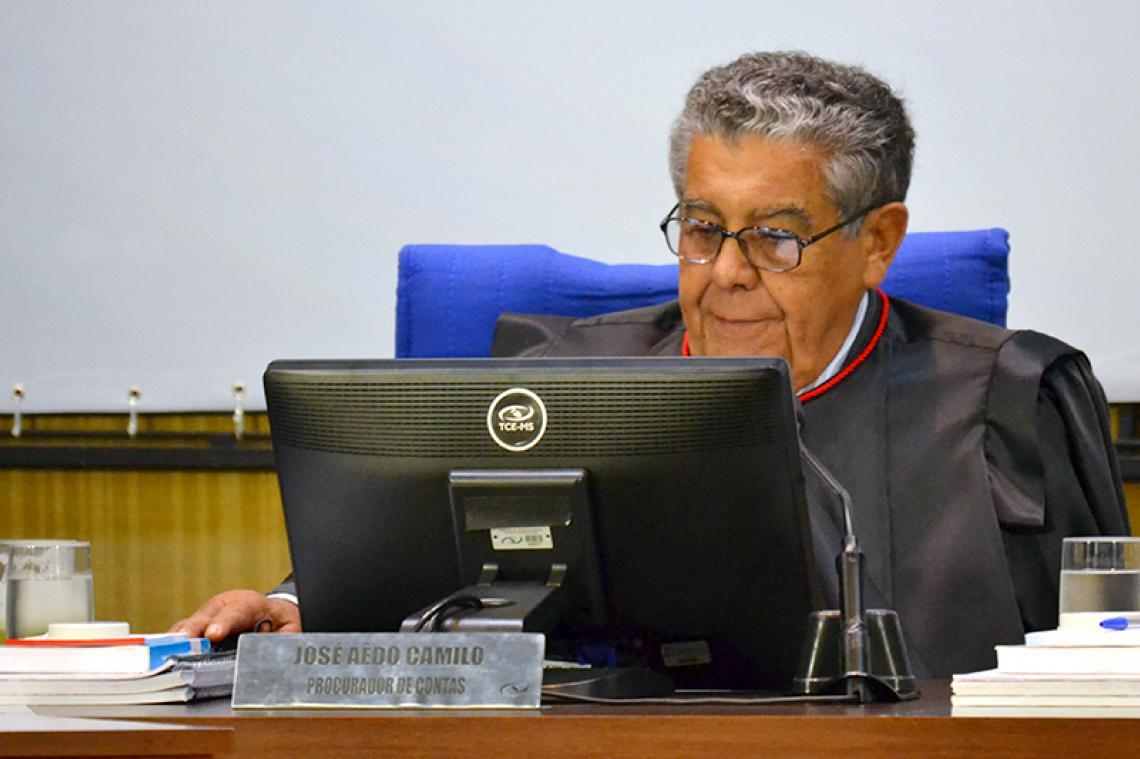 Parecer apresentado pelo procurador geral recomenda aplicação de multa a ex-gestores e relator concorda