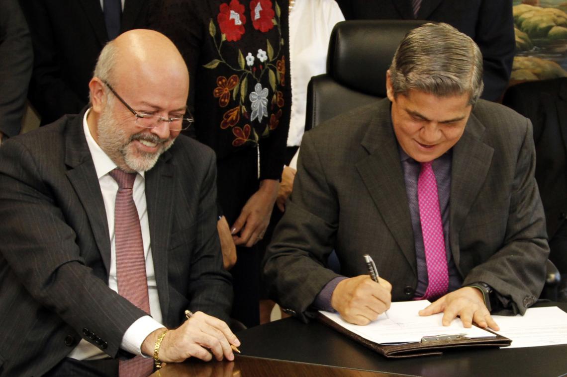 TCE-MS dá posse a novos conselheiros