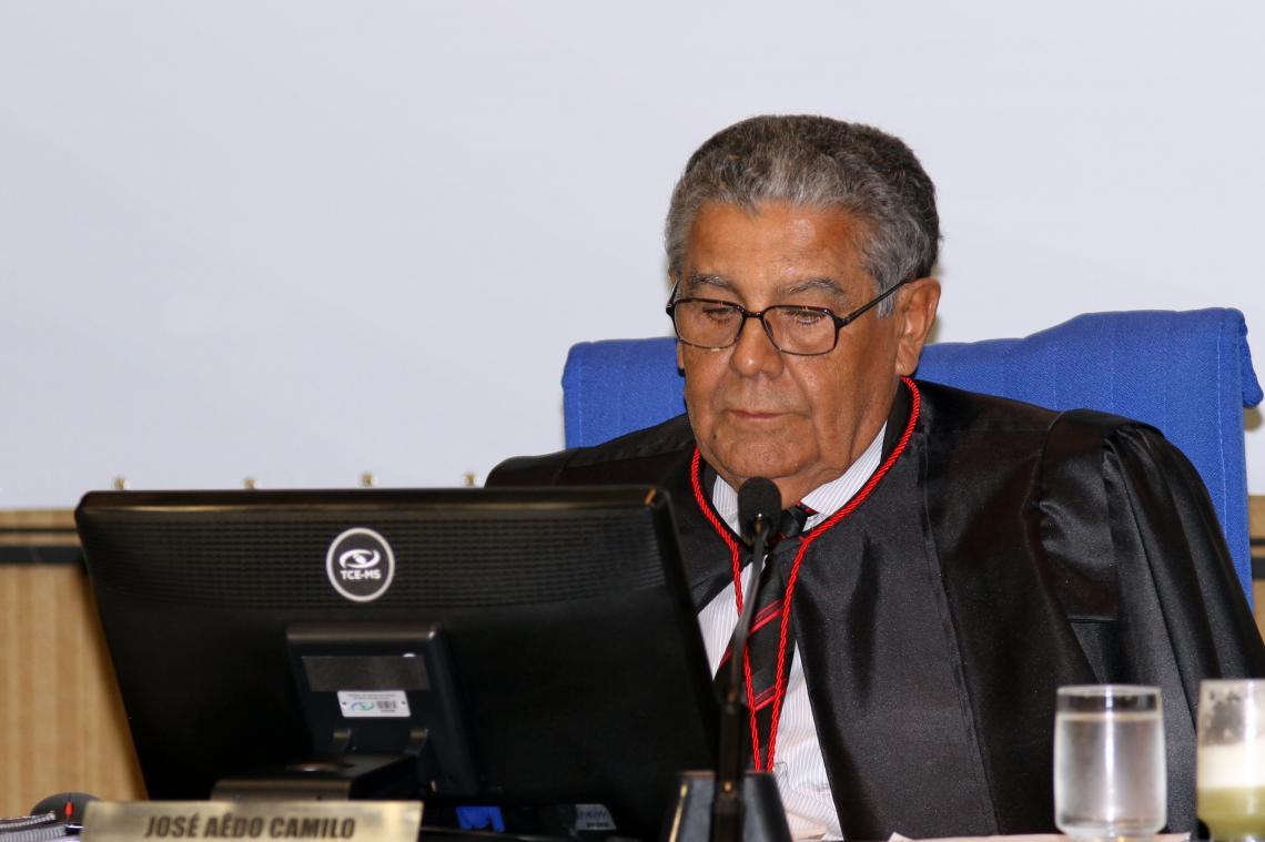 Execução financeira de contrato com Prefeitura de Ribas do Rio Pardo é considerada irregular