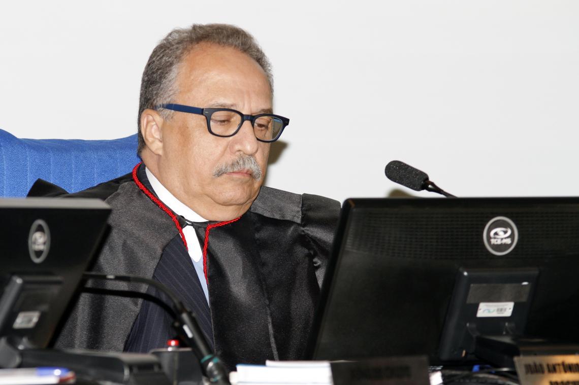 Procurador recomenda que acórdão seja mantido e ex-prefeito de São Gabriel do Oeste deverá pagar multa de mil Uferms