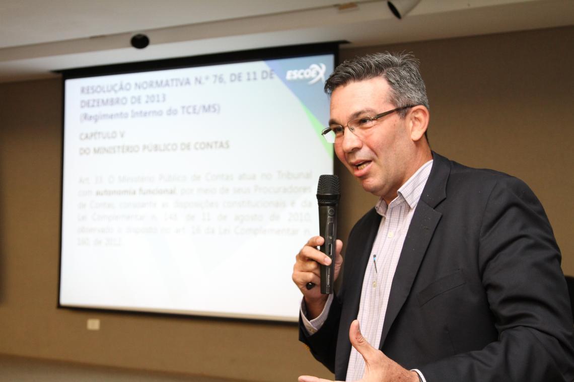 Assessor de procurador ministrou palestra para novos auditores de controle externo